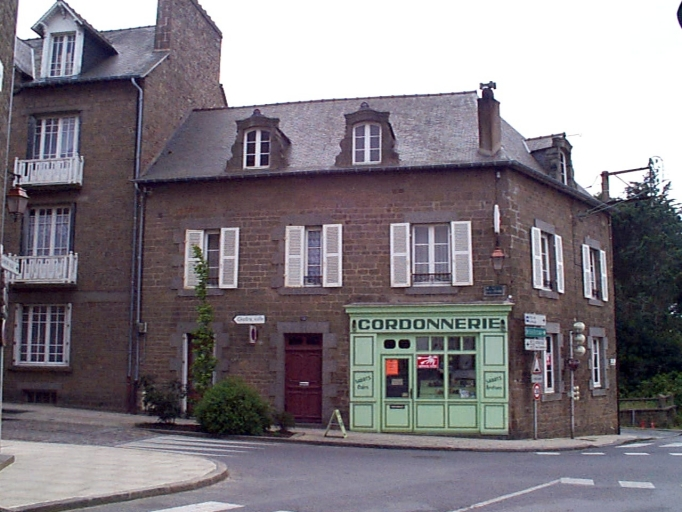 Immeuble, 25 rue Général Leclerc ; 27 rue du Maréchal Juin (Cancale)