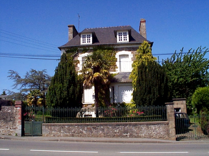 Maison dite Clos de la Chardonnière, 2 avenue Pasteur (Cancale)
