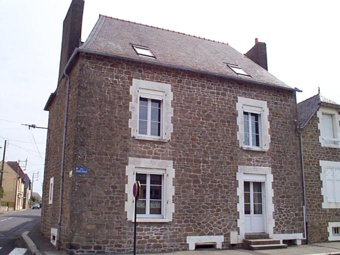 Maison, 32 rue de Saint-Malo ; 13 rue du Général Fauchon (Cancale)