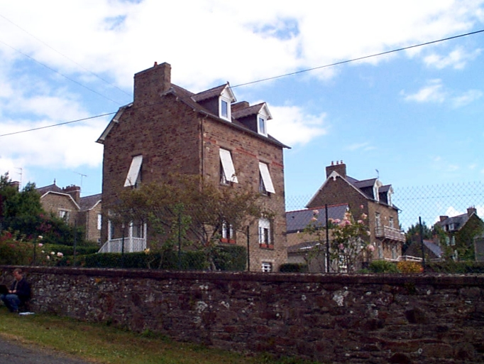 Maison, 3 rue Théodore Botrel ; 3 rue du Rocher de Cancale ; rue Emile Lecerf (Cancale)