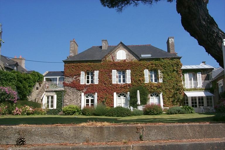 Maison de villégiature, rue des Rimains ; 1 rue des Fours à chaux, la Broustière (Cancale)