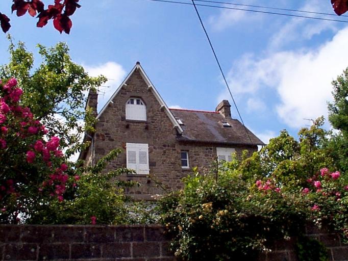 Maison, 1 ? rue Théodore Botrel ; 7 rue de la Mennais (Cancale)