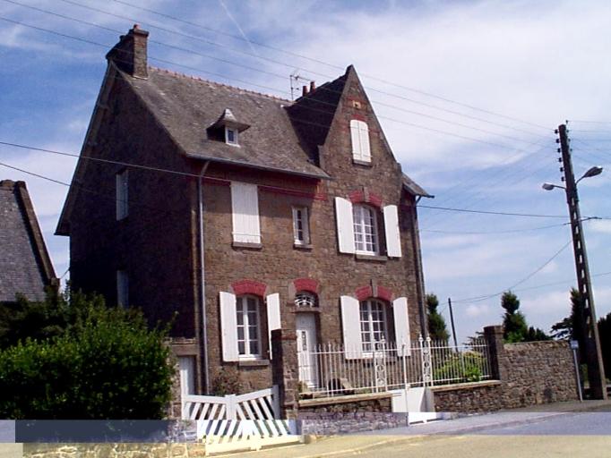 Maison de villégiature, 11 rue de la Mennais ; rue du Mont-Saint-Michel (Cancale)