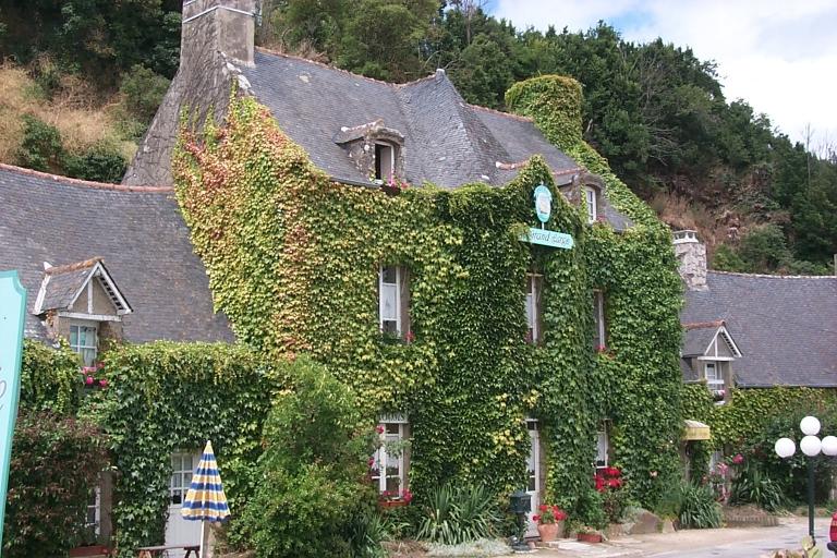 Maison d'armateur (?) dite le Mont de l'Amitié, actuellement Hôtel Le Grand Large, rue Amiral Courbert, la Houle (Cancale)