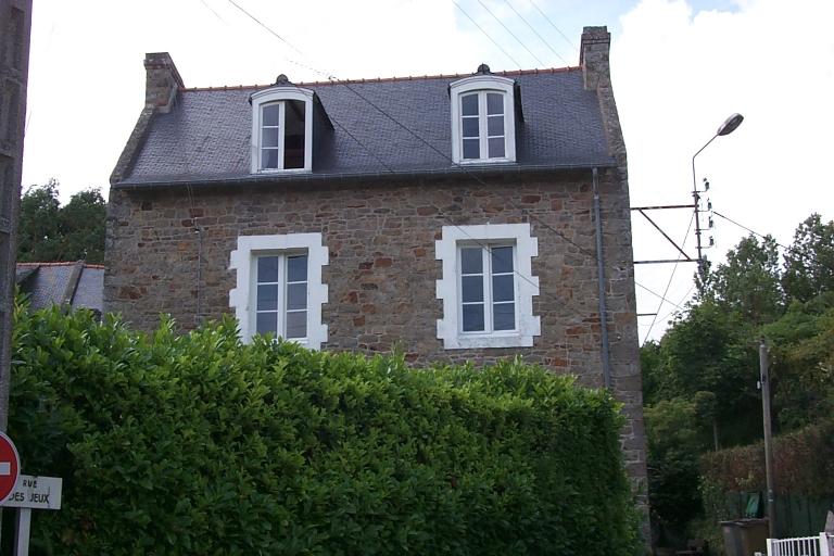 Maison, 38 rue Amiral Courbet ; 1 rue des Jeux, la Houle (Cancale)