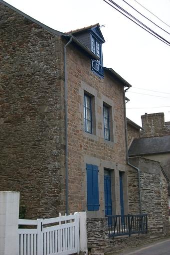 Maison de pêcheurs, 28 rue de l'Amiral Bouvet, la Houle (Cancale)