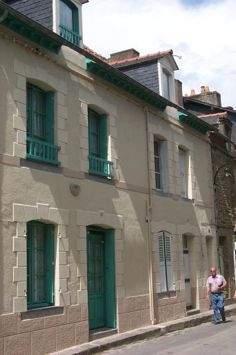 Maison de type immeuble, 10, 12 rue Victor Hugo, la Houle (Cancale)