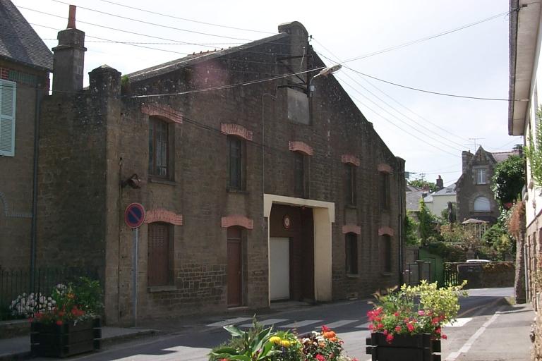Caserne de pompier, 24 rue de la Roulette (Cancale)
