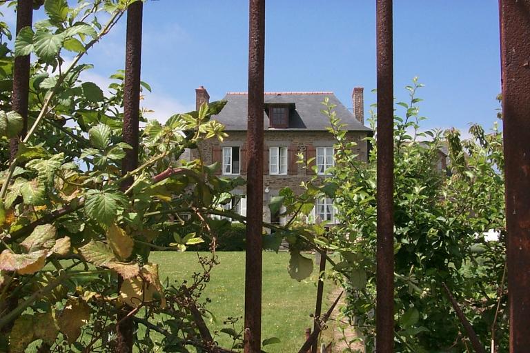Maison, rue Denis Brunaud, la Ville Garnier (Cancale)