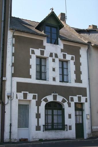 Maison, 1 place de la Victoire ; place Jean Bart (Cancale)