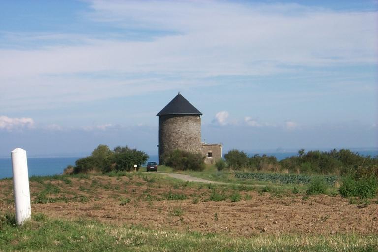Moulin à vent, actuellement maison, le Tertre à la Caille (Cancale)