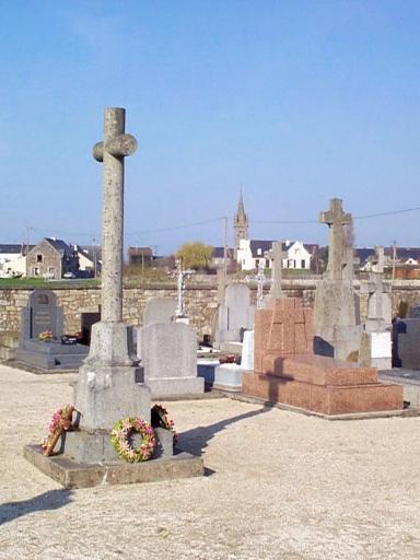 Croix de cimetière, Vildé la Marine (Hirel)
