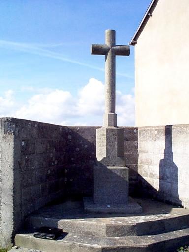 Croix de chemin, le Châtellier (Hirel)