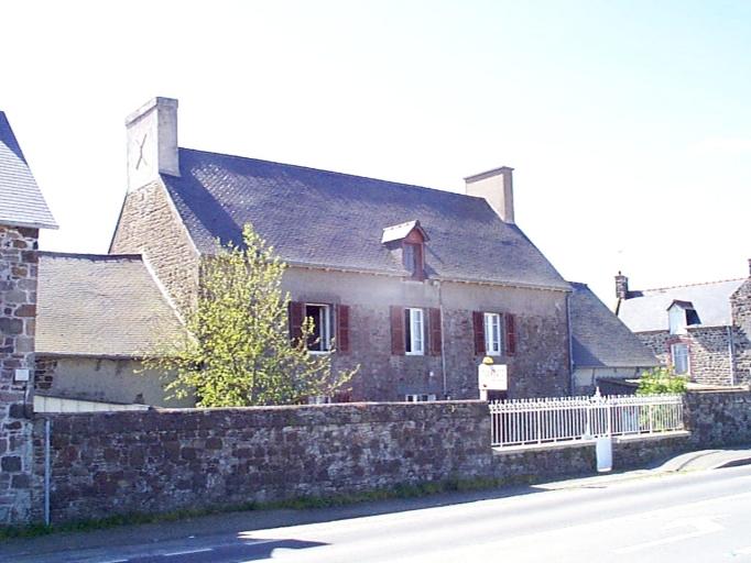 Maison, 2 rue du Bord de Mer (Hirel)