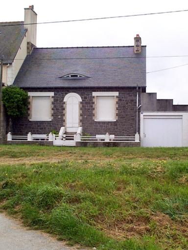 Maison dite Bonne Brise, 46 rue du Littoral, le Bout de la Ville (Hirel)