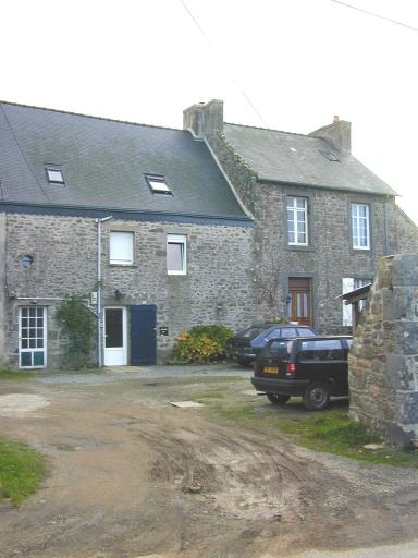 Presbytère, rue du Vieux Presbytère (Saint-Coulomb) ; Maison, le Vieux Presbytère (Saint-Coulomb)