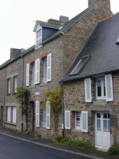 Maison dite Ker Julie, 8 rue de la Mairie (Saint-Coulomb)
