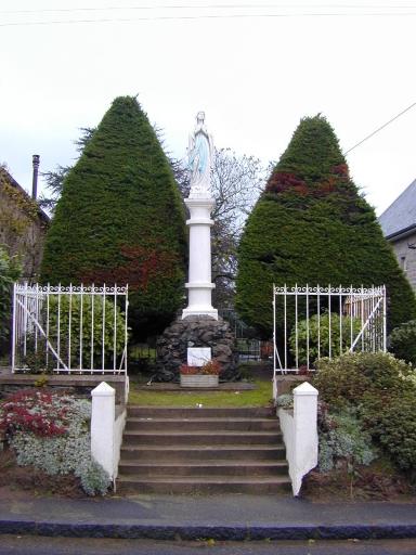 Monument à la Vierge, rue de Bel Air (Saint-Coulomb)