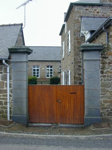 École, rue des Bas Chemins (Saint-Coulomb) ; Maison d'école, rue des Bas Chemin (Saint-Coulomb)
