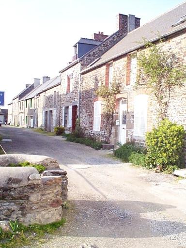 Alignement de maisons, rue du Croissant (Saint-Benoît-des-Ondes)