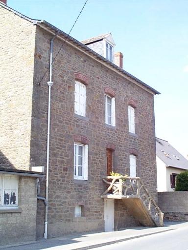 Maison, 22 rue de la Gare (Saint-Méloir-des-Ondes)