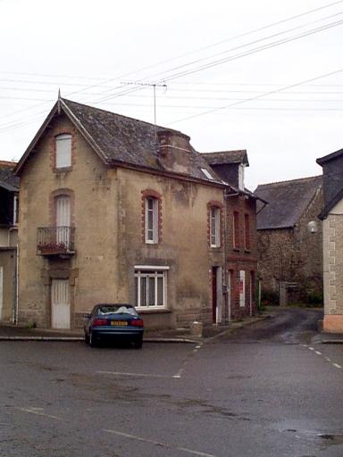 Maison, 11 place de l'Eglise (Saint-Méloir-des-Ondes)