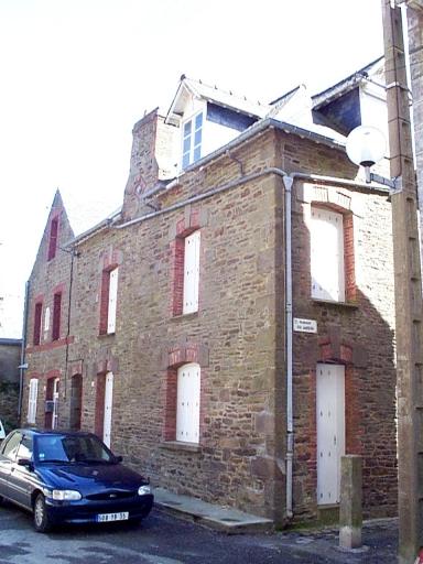 Maison, 22 place de l'Eglise (Saint-Méloir-des-Ondes)