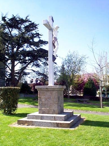 Croix monumentale, rue Notre-Dame (Saint-Méloir-des-Ondes)