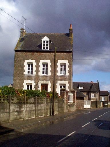Maison, 3 rue de la Main d'Argent (Saint-Méloir-des-Ondes)