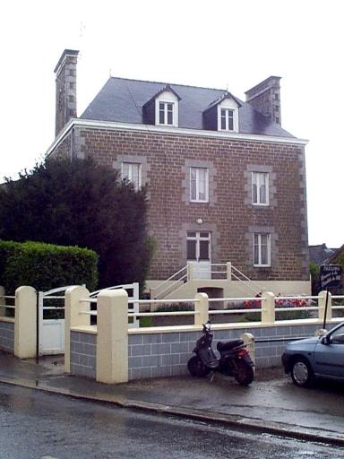 Maison, 8 rue du Clos Poulet (Saint-Méloir-des-Ondes)