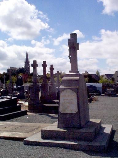Croix de cimetière, rue de Radegonde (Saint-Méloir-des-Ondes)