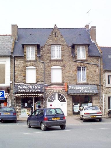 Maison, 5-7 place de la Mairie (Saint-Méloir-des-Ondes)