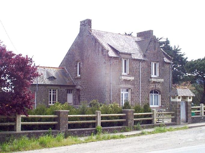 Maison, Limonay (Saint-Méloir-des-Ondes)
