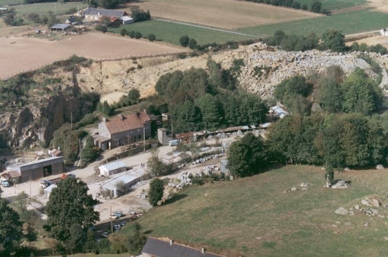 Carrière de granite de la Beurrière, puis Brault-Maubert, actuellement usine de taille de matériaux de construction SCOP (Mellé)