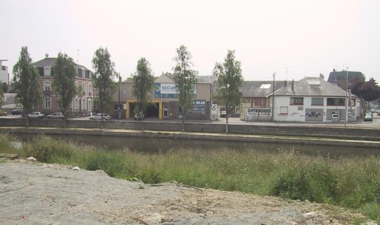 Usine d'engrais Brunel-Tiret, puis Reuzé, puis usine de taillanderie Panhaleux, actuellement gymnase, 57 à 61 quai de la Prévalaye (Rennes)