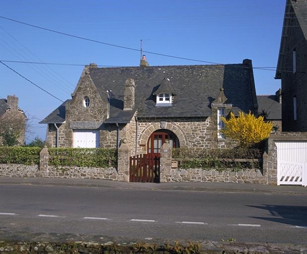 Maison de villégiature, 2 rue du Rocher de Cancale ; 9 rue de la Mennais (Cancale)