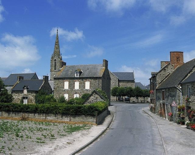 Maison, 1 rue des Tourailles (Hirel) ; Église paroissiale Notre-Dame (Hirel) ; Village d'Hirel