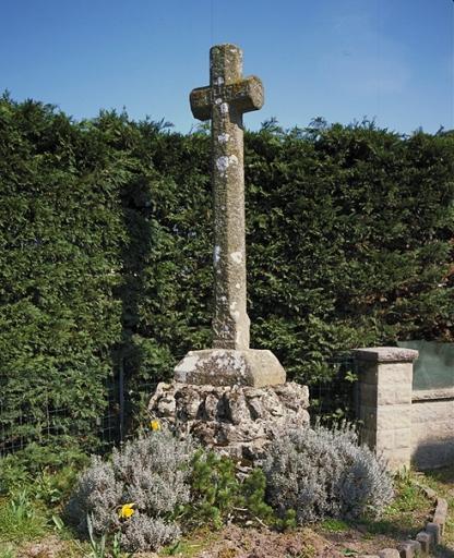 Croix de chemin dite du moulin de la Motte (Saint-Coulomb)
