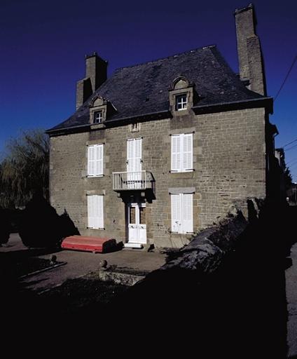 Château Gaillard, type malouinière, rue du Château Gaillard (Cancale) ; Les manoirs, châteaux et demeures sur la commune de Cancale