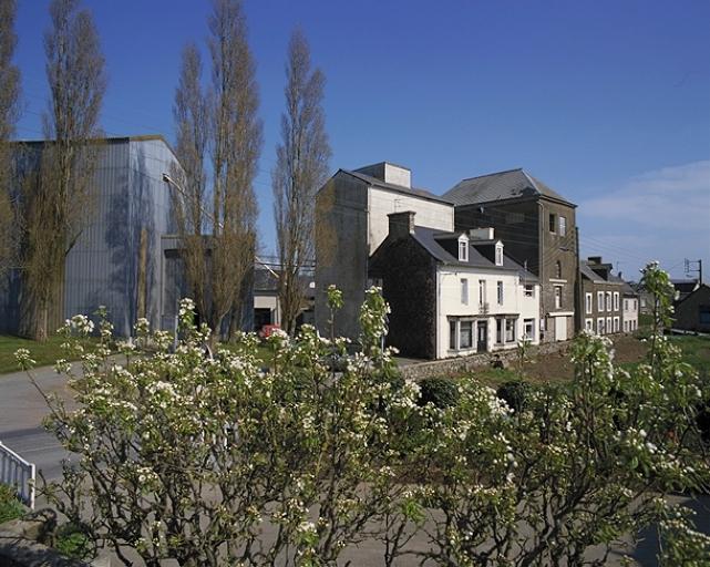 Présentation de la commune de Saint-Méloir-des-Ondes ; Minoterie Collin, rue du Clos-Poulet (Saint-Méloir-des-Ondes)