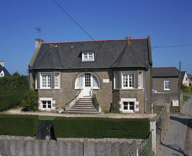 Maison, 9 rue de la Main d'Argent (Saint-Méloir-des-Ondes)