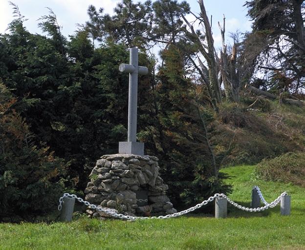 Croix de chemin de Saint-Coulomb, Anse Duguesclin (Saint-Coulomb)
