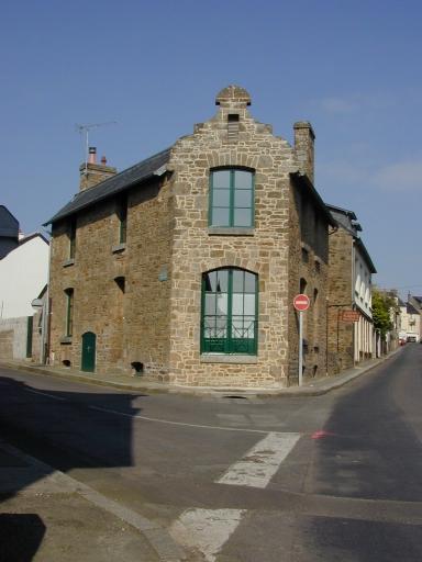 Maison (?), 15 rue Esprit Bailly ; 28 rue du Maréchal juin (Cancale)