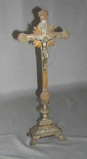 Ensemble de 2 croix d'autel