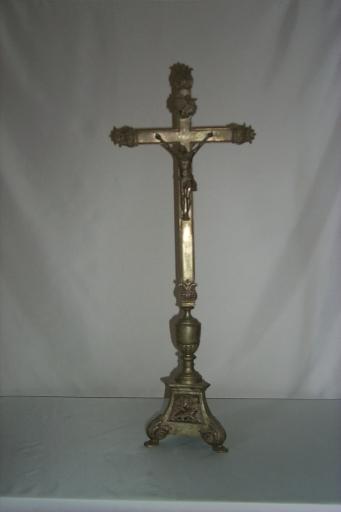 Garniture d'autel 1: croix d'autel, 10 chandeliers d'autel