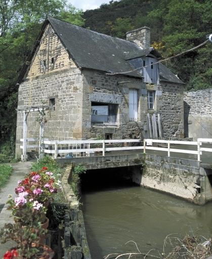 Moulin à papier, puis moulin à blé de Guémorin, puis minoterie (Vieux-Vy-sur-Couesnon) ; Architecture artisanale, industrielle ou commerciale sur la commune de Vieux-Vy-sur-Couesnon