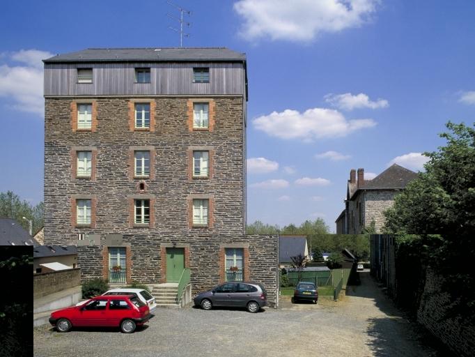 Minoterie Huchet, boulevard Julien et Pierre Gourdel (Châteaugiron) ; Les moulins et briqueteries sur la commune de Châteaugiron