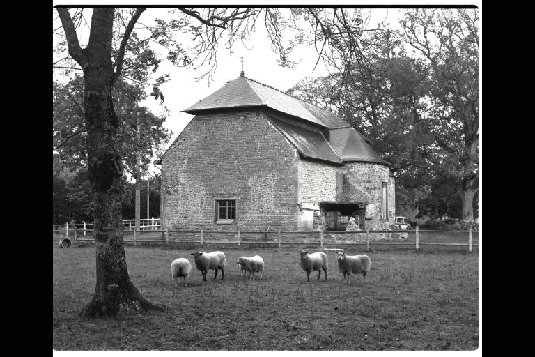 Manoir, Haie d'Iré (Saint-Rémy-du-Plain) ; Verrerie royale de la Haie d'Iré (Saint-Rémy-du-Plain)