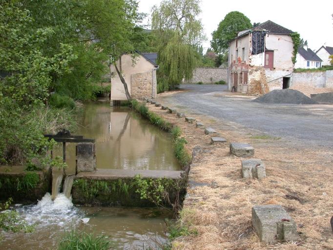 Tannerie Allouët, actuellement ateliers municipaux, près du Moulin de Caulnes (Caulnes)