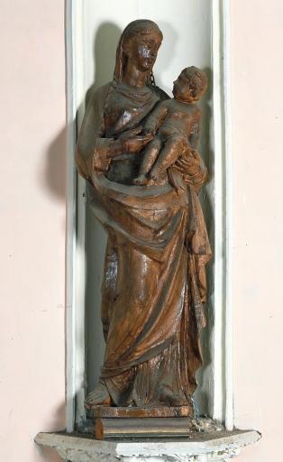 Statue dans une niche: Vierge à l'Enfant
